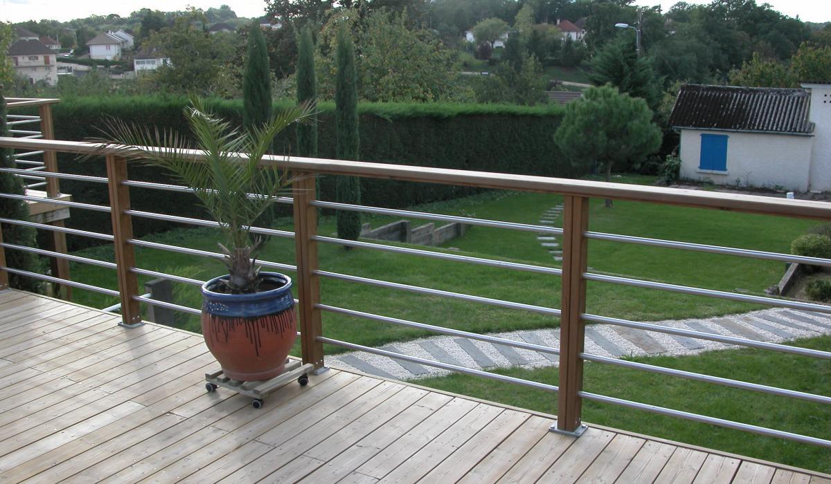 Chantier d 39 une terrasse olea paysages for Jardin avec terrasse